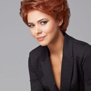 Pinnacle | Gray Short Red Women's Brunette Wavy Wigs - wigglytuff.net