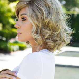 Brave The Wave | Layered Blonde Lace Front Straight Short Black Brunette Wigs - wigglytuff.net